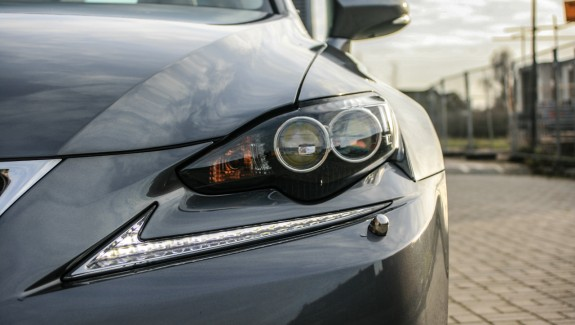 Lexus IS 300h koplamp