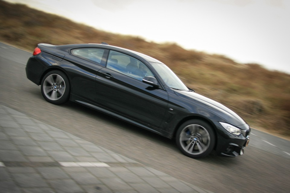 BMW 4-series 435i Coupe Side