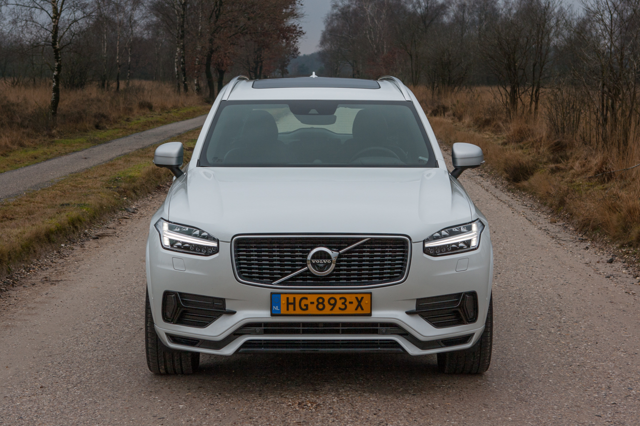 volvo xc90 t8 video rijtest love at first drive. Black Bedroom Furniture Sets. Home Design Ideas